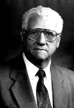 Abg. Hernán Cárcamo Tercero, Director del Instituto de Investigación Jurídica (1978 -1980)